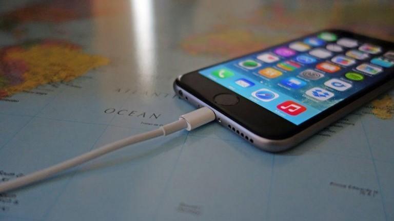 Cep Telefonlarımızı Gece Boyu Şarj Etmek Doğru mu?