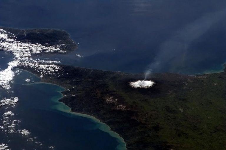 Etna Yanardağı Bugün Yeniden Patladı, 10 Yaralı Var